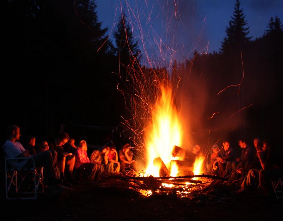feu de camp camping